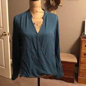 New turquoise top
